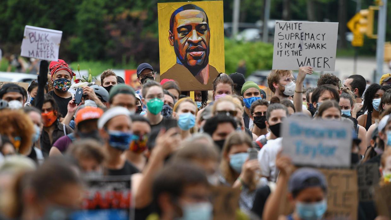 Manifestación contra la muerte de George Floyd a manos de la policía, en Brooklyn, el 5 de junio de 2020.