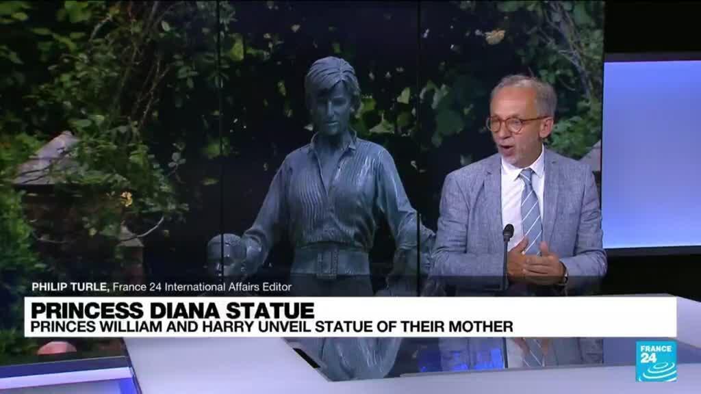 2021-07-01 17:10 Princes William, Harry unveil Princess Diana's statue
