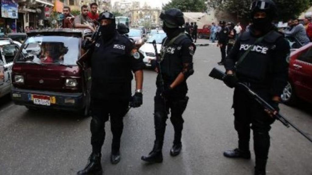 صورة أرشيفية لعناصر أمن بالقاهرة. مصر