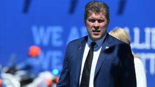 Le Premier ministre islandais Bjarni Benediktsson, dont le père est impliqué dans un scandale, a demandé la tenue de législatives anticipées.