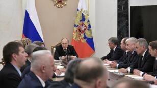 El presidente ruso, Vladimir Putin, preside una reunión con miembros del Consejo de Seguridad en el Kremlin en Moscú, Rusia, el 16 de abril de 2019.