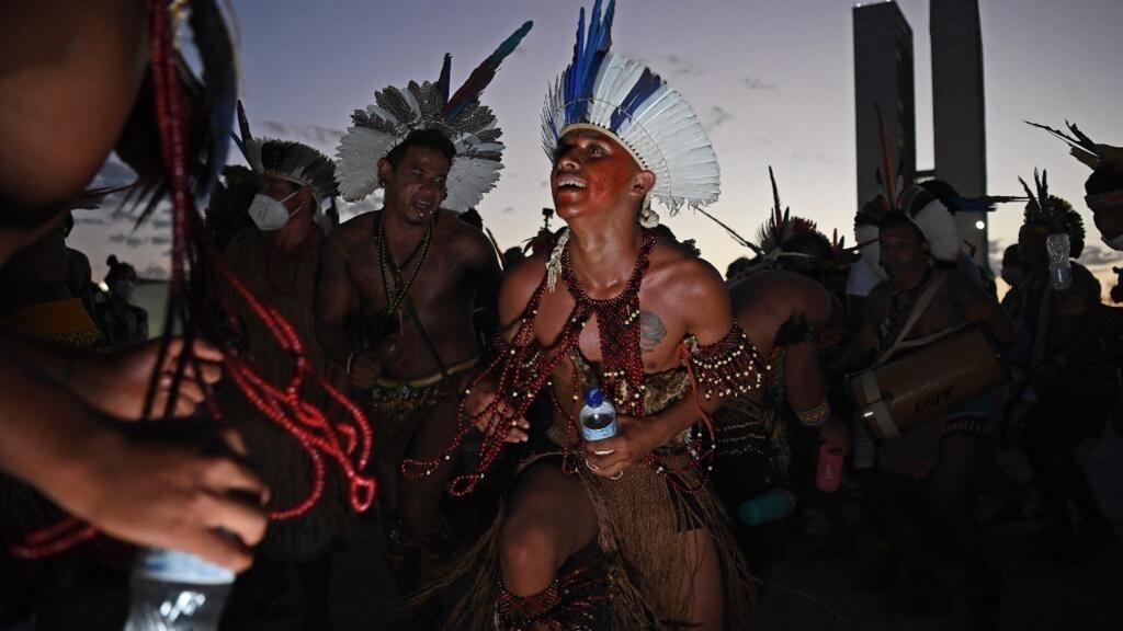 Indígenas durante una protesta frente al edificio de la Corte Suprema en Brasilia, el 24 de agosto de 2021.