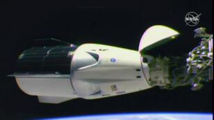 La cápsula 'Crew Dragon' se acopló la madrugada del domingo 3 de marzo de 2019 a la Estación Espacial Internacional