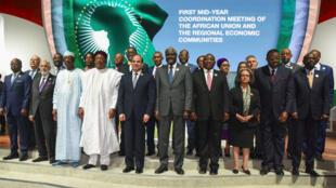 Les chefs d'État africains réunis lors de la cérémonie de clôture du sommet de l'Union africaine à Niamey, le 8 juillet 2019.