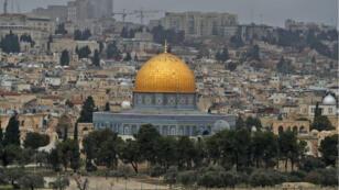 Vue générale de Jérusalem, avec, au centre, la mosquée al-Aqsa (située à Jérusalem Est).