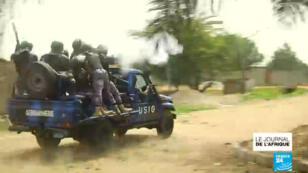 Des policiers togolais.