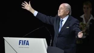 جوزيف بلاتر بعد انتخابه رئيسا للاتحاد الدولي لكرة القدم الجمعة 29 أيار/مايو 2015
