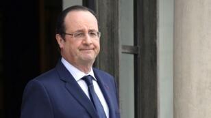 Pour la quatrième conférence de presse semestrielle de son quinquennat, le président français s'adressa à 350 journalistes réunis à l'Élysée.