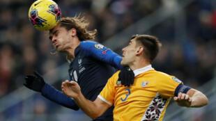 Qualifiés avant le début de la rencontre, les Bleus se sont tout de même imposés face à la Moldavie.