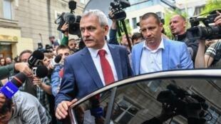 ليفيو درانيا زعيم الحزب الاشتراكي الديمقراطي