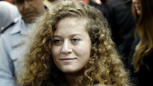 À 17 ans, Ahed Tamimi fait figure de symbole de la lutte des Palestiniens contre l'occupation israélienne.