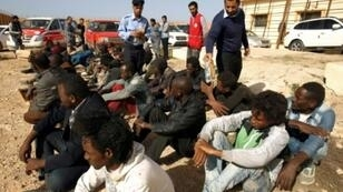 مركز احتجاز للمهاجرين الأفارقة في بنغازي، ليبيا