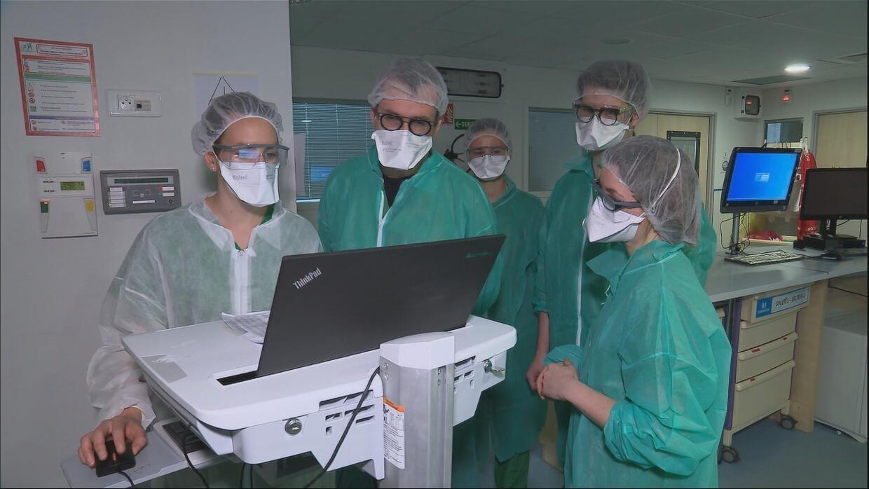 Derrière le masque : les soignants face au Covid-19