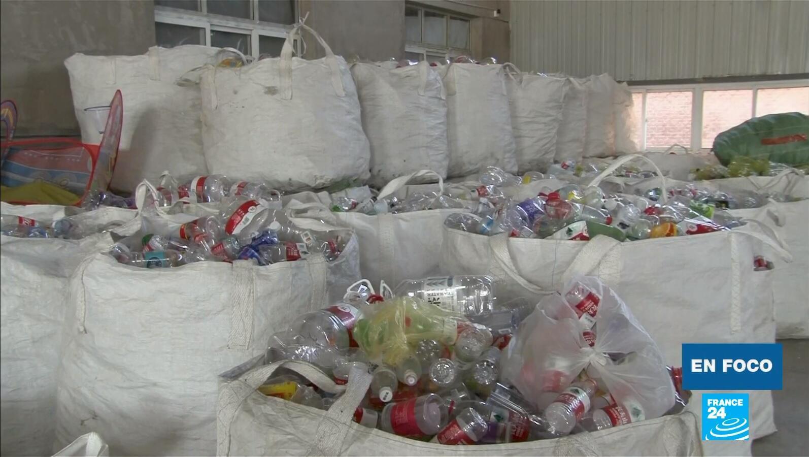 En Foco - Plásticos China