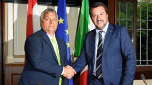 El ministro del Interior italiano, Matteo Salvini, se reunió con el primer ministro húngaro, Viktor Orbán, en Milán, Italia, el 28 de agosto de 2018.