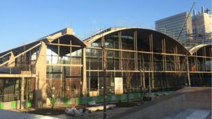 L'ancienne halle Freyssinet, renommée Station F, va accueillir 1 000 start-up dès son ouverture en avril 2017.