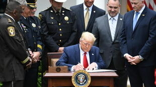 trump-sign-june162020