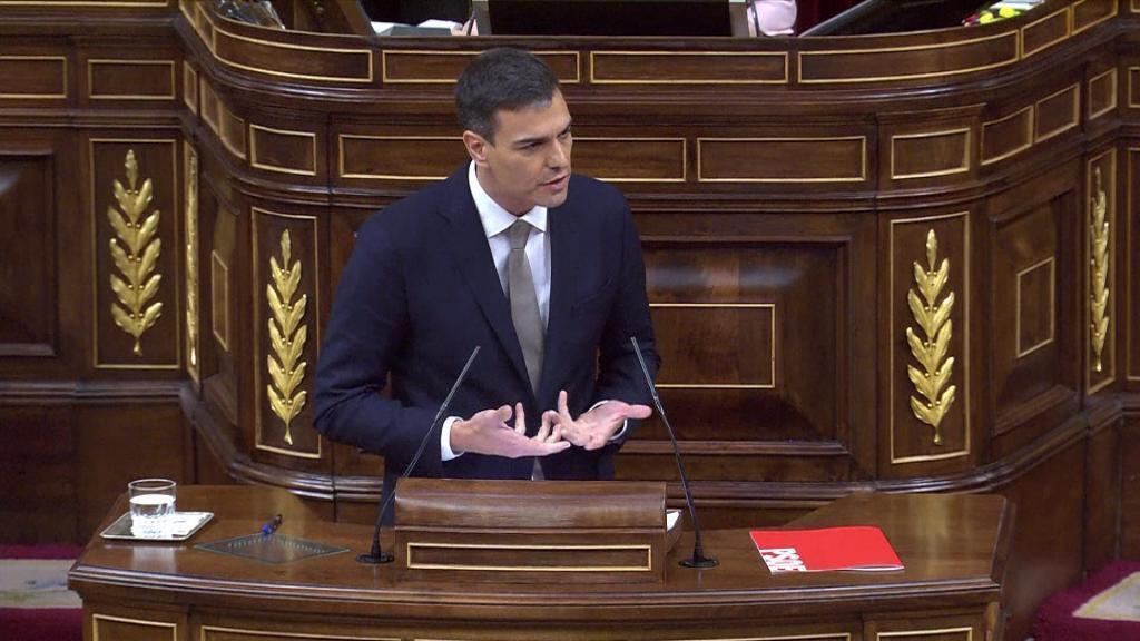 Pedro Sánchez, líder del PSOE, el día que ganó la moción de censura contra el entonces presidente, Mariano Rajoy, el 31 de mayo de 2018 en el hemiciclo español