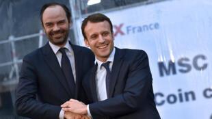 Emmanuel Macron, le 1er février 2016, en compagnie du maire Les Républicains du Havre, Édouard Philippe, devenu lundi 15 mai Premier ministre.