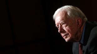 El expresidente de Estados Unidos, Jimmy Carter, sufrió una hemorragia cerebral a raíz de un golpe reciente.