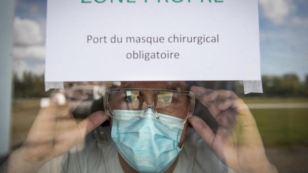 أعلنت فرنسا السبت تسجيل 80 وفاة خلال 24 ساعة في حصيلة هي الأدنى منذ مطلع أبريل/نيسان.