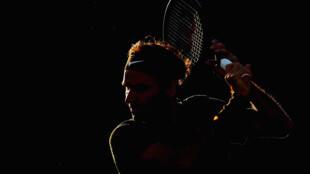 El suizo Roger Federer durante una sesión de entrenamiento del BNP Paribas Open en el Indian Wells Tennis Garden, el 9 de marzo de 2017 en California