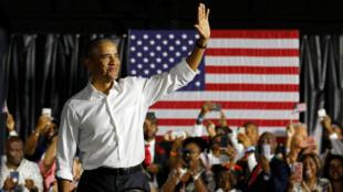 الرئيس الأمريكي السابق باراك أوباما في ميامي في 2 نوفمبر 2018