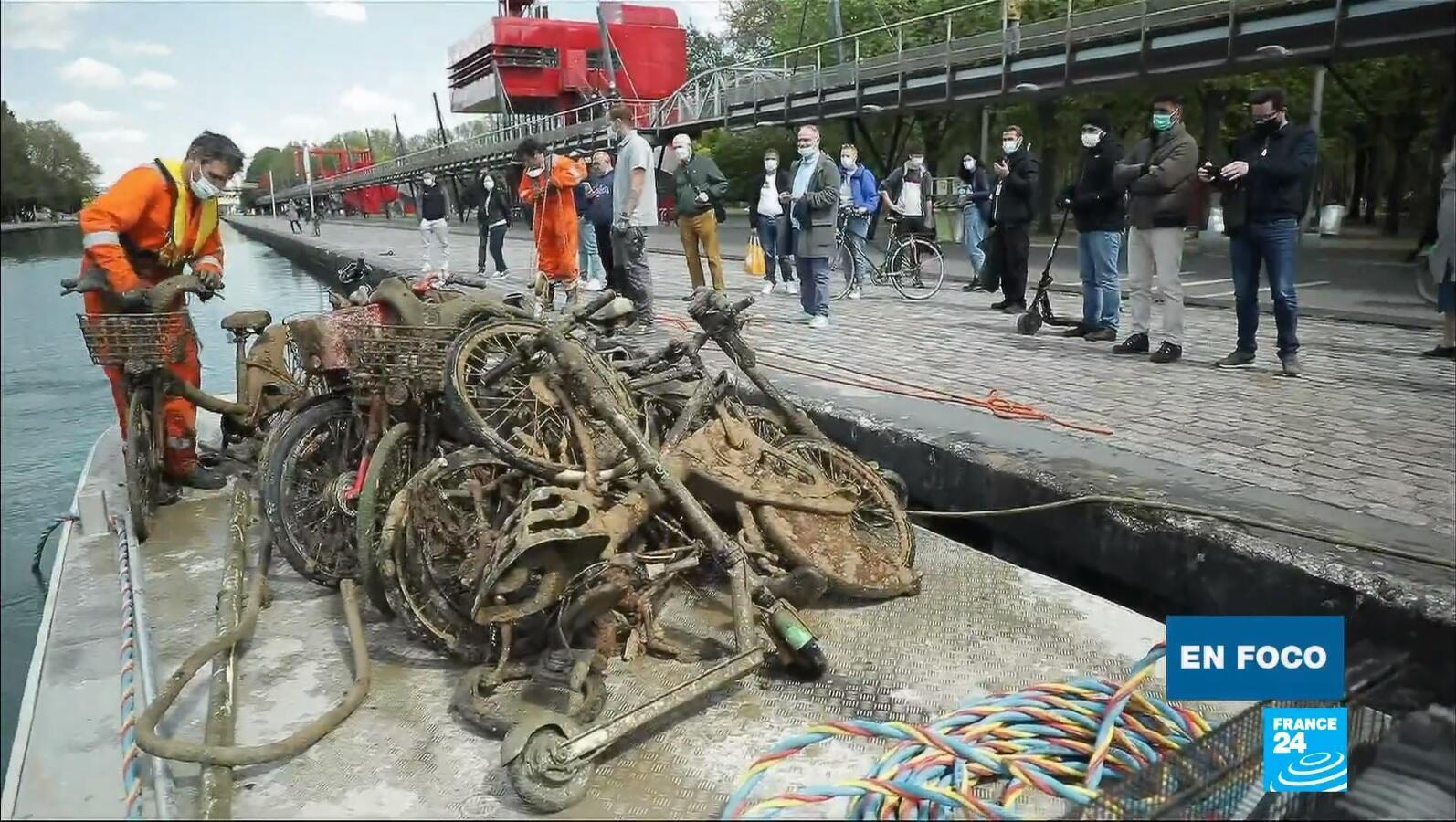 en foco - basura rio Sena París