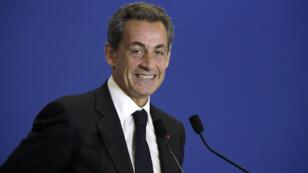 Nicolas Sarkozy accueille de nouveaux adhérents à l'UMP, le 17 janvier 2015.