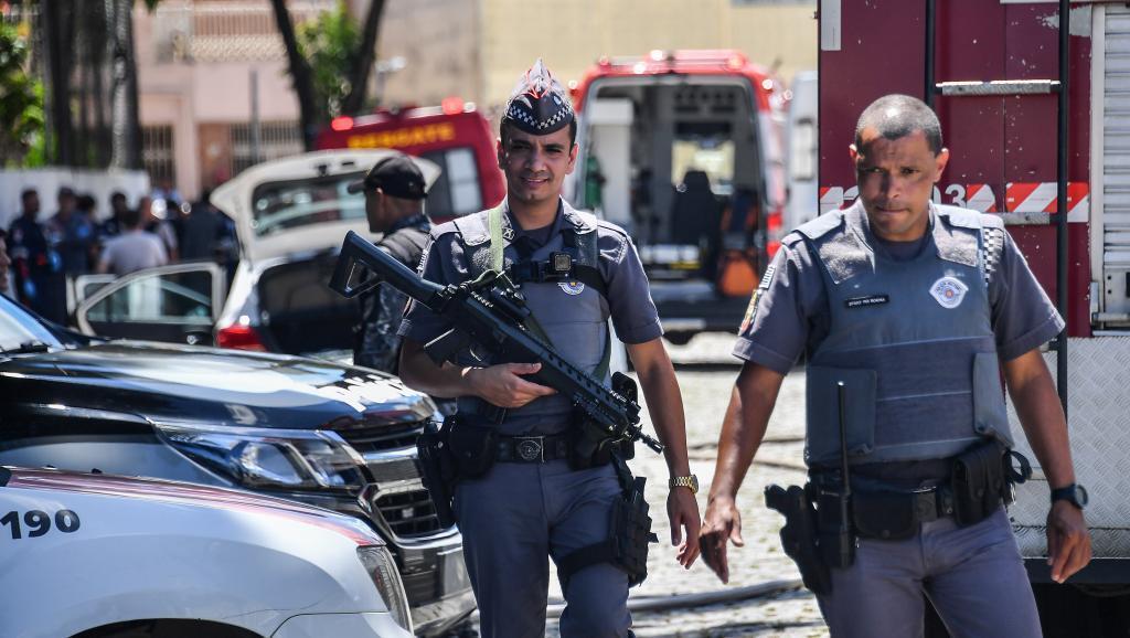 Policía en la escena del crimen en Suzano, región metropolitana de Sao Paulo, el 13 de marzo de 2019.