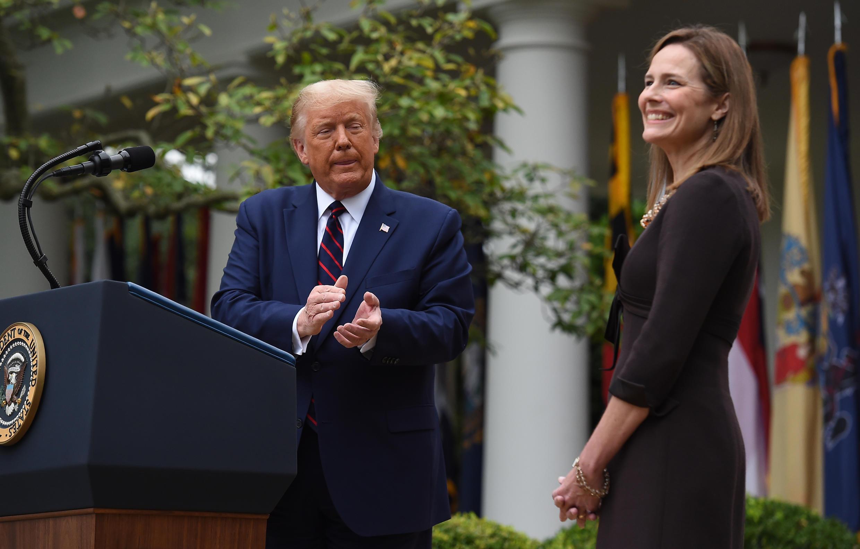 Donald Trump y la jueza Amy Coney Barrett el 26 de septiembre de 2020.