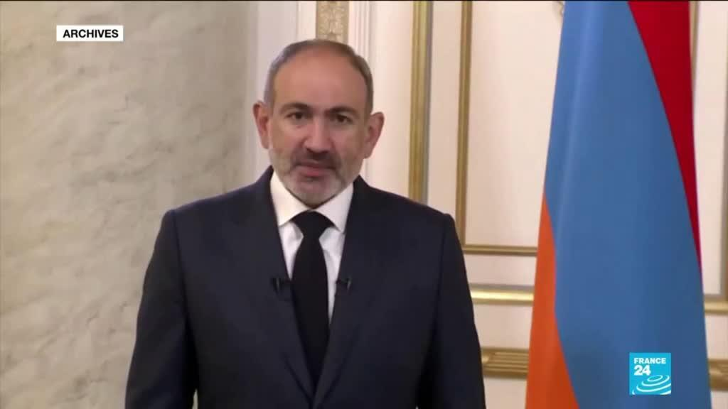 2021-02-25 14:02 Crise politique en Arménie : Pachinian dénonce un coup d'Etat et limoge le chef des forces armées