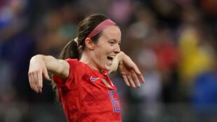 Rose Lavelle célèbre un but lors de la rencontre face à la Thaïlande, le 11juin2019, à Reims.