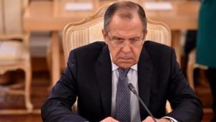 Sergueï Lavrov a précisé que la réponse à l'expulsion de diplomates russes serait la même pour tous les pays.