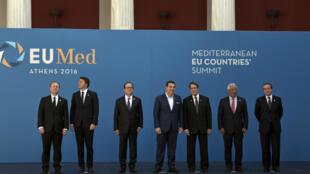 Les représentants des pays du sud de l'UE, dont François Hollande et Alexis Tsipras (respectivement 3e et 4e en partant de la gauche), à Athènes le 9 septembre.
