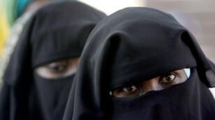 Le gouvernement tchadien à interdit, le 17 juin, le port de la burqa, ce voile intégral qui dissimule le visage des femmes.