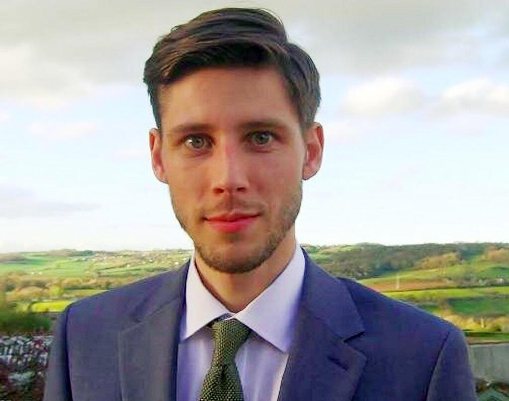 """تويتر - توم فيني مؤسس حملة """"التمويل التشاركي"""" لإنقاذ اليونان"""