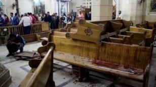 آثار التفجير داخل كنيسة مار جرجس، طنطا،  9 نيسان/أبريل 2017
