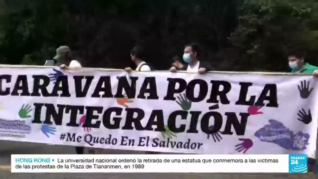 2021-10-10 14:43 Con caravana, fundaciones de El Salvador instan a los jóvenes a no migrar