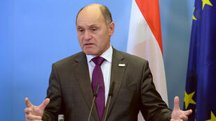 Le ministre autrichien de l'Intérieur, Wolfgang Sobotka, le 29 avril 2016, lors d'une conférence de presse à Potsdam en Allemagne.