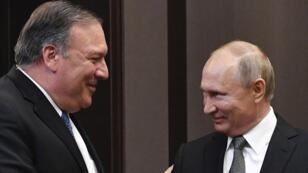 Mike Pompeo et Vladimir Poutine se rencontrent à Sotchi, en Russie, le 14 mai 2019.