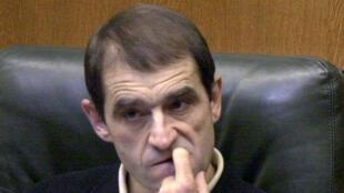 (Imagen de archivo) José Antonio Urrutikoetxea Bengoechea, alias 'Josu Ternera', en el Parlamento Vasco, el 25 de octubre de 2001.