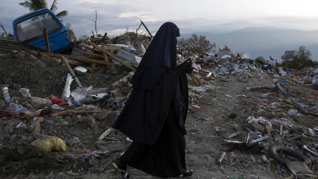 Les autorités indonésiennes ont ordonné le 11 octobre la fin des recherches après le séisme et le tsunami qui ont fait plus de 2000 morts dans la région de Palu.
