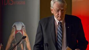 El veterano miembro del Comité Olímpico Internacional (COI) Richard Pound dijo que la pandemia de coronavirus es la mayor amenaza olímpica desde los boicots de la década de 1980.
