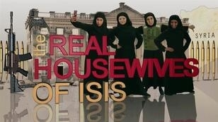 """Le premier sketch d'une parodie sur la BBC de l'émission de télé réalité """"Real Housewives"""" mettant en scène des femmes jihadistes."""