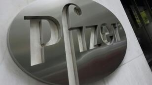 Pfizer said sales of its blockbuster painkiller Lyrica, which has lost of its copyright in Europe, will nosedive in 2019