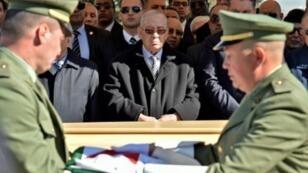 رئيس أركان الجيش الجزائري الفريق أحمد قايد صالح (وسط) 6 فبراير/شباط 2019.