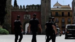 رجال شرطة إسبان