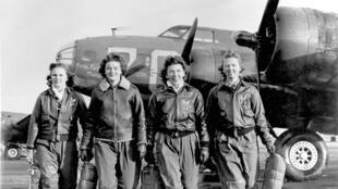 Frances Green, Margaret Kirchner, Ann Waldner et Blanche Osbor, pilotes du Service de pilotes féminines de l'Armée de l'air des États-Unis (1944).