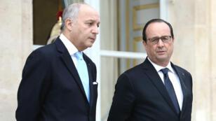 Le chef de la diplomatie française, Laurent Fabius, et le président François Hollande, le 20 octobre 2015.